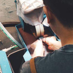 Gemstone cutting experience – Newbies can cut gemstone